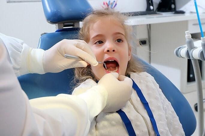 U kojoj dobi prvi put posjetiti stomatologa